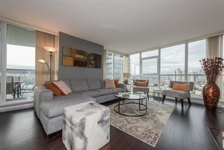 """Photo 2: 2005 2225 HOLDOM Avenue in Burnaby: Central BN Condo for sale in """"Legacy"""" (Burnaby North)  : MLS®# R2240436"""