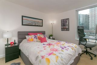 """Photo 10: 701 918 COOPERAGE Way in Vancouver: Yaletown Condo for sale in """"THE MARINER"""" (Vancouver West)  : MLS®# R2244805"""