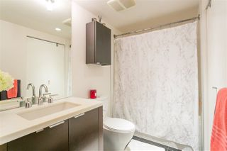 """Photo 11: 701 918 COOPERAGE Way in Vancouver: Yaletown Condo for sale in """"THE MARINER"""" (Vancouver West)  : MLS®# R2244805"""