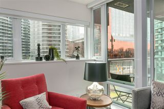 """Photo 9: 701 918 COOPERAGE Way in Vancouver: Yaletown Condo for sale in """"THE MARINER"""" (Vancouver West)  : MLS®# R2244805"""