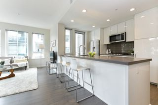 "Photo 5: 313 277 W 1 Street in North Vancouver: Lower Lonsdale Condo for sale in ""West Quay"" : MLS®# R2252206"
