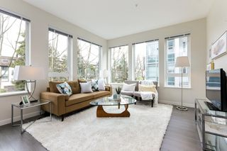"Photo 2: 313 277 W 1 Street in North Vancouver: Lower Lonsdale Condo for sale in ""West Quay"" : MLS®# R2252206"