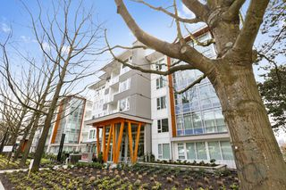"Photo 1: 313 277 W 1 Street in North Vancouver: Lower Lonsdale Condo for sale in ""West Quay"" : MLS®# R2252206"