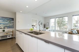 "Photo 7: 313 277 W 1 Street in North Vancouver: Lower Lonsdale Condo for sale in ""West Quay"" : MLS®# R2252206"