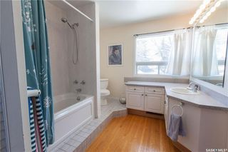Photo 32: 304 Bate Crescent in Saskatoon: Grosvenor Park Residential for sale : MLS®# SK724443