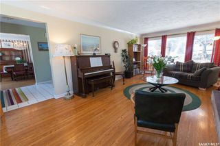 Photo 4: 304 Bate Crescent in Saskatoon: Grosvenor Park Residential for sale : MLS®# SK724443