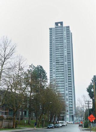 "Photo 1: 2109 13750 100 Avenue in Surrey: Whalley Condo for sale in ""Park Ave"" (North Surrey)  : MLS®# R2257070"
