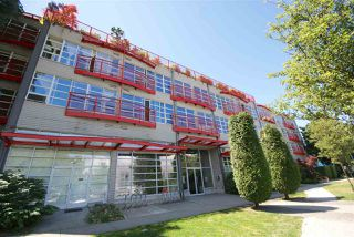 "Photo 1: 315 350 E 2ND Avenue in Vancouver: Mount Pleasant VE Condo for sale in ""MAINSPACE"" (Vancouver East)  : MLS®# R2279640"