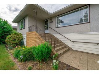 Photo 2: 13063 106A Avenue in Surrey: Whalley House for sale (North Surrey)  : MLS®# R2283212