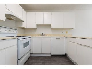"Photo 4: 13335 70B Avenue in Surrey: West Newton Townhouse for sale in ""Suncreek"" : MLS®# R2298899"