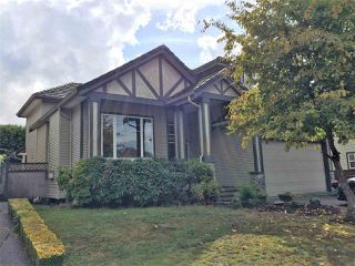 Photo 2: 18176 66 Avenue in Surrey: Cloverdale BC House for sale (Cloverdale)  : MLS®# R2306075