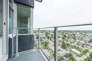 """Photo 8: 2606 5470 ORMIDALE Street in Vancouver: Collingwood VE Condo for sale in """"Wall Centre Central Park Tower 3"""" (Vancouver East)  : MLS®# R2308248"""