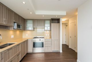"""Photo 10: 2606 5470 ORMIDALE Street in Vancouver: Collingwood VE Condo for sale in """"Wall Centre Central Park Tower 3"""" (Vancouver East)  : MLS®# R2308248"""