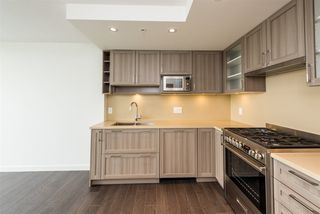 """Photo 6: 2606 5470 ORMIDALE Street in Vancouver: Collingwood VE Condo for sale in """"Wall Centre Central Park Tower 3"""" (Vancouver East)  : MLS®# R2308248"""