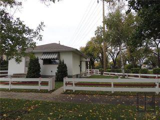Photo 1: 221 Electa Street in Winnipeg: Weston Residential for sale (5D)  : MLS®# 1826405