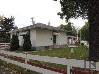 Photo 11: 221 Electa Street in Winnipeg: Weston Residential for sale (5D)  : MLS®# 1826405