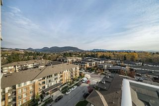 "Main Photo: 1108 3102 WINDSOR Gate in Coquitlam: New Horizons Condo for sale in ""CELADON BY POLYGON"" : MLS®# R2331958"