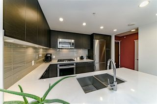 """Photo 7: 1108 3102 WINDSOR Gate in Coquitlam: New Horizons Condo for sale in """"CELADON BY POLYGON"""" : MLS®# R2331958"""