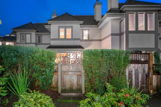"""Photo 2: 116 245 W 15TH Street in North Vancouver: Central Lonsdale Townhouse for sale in """"Chatsworth Mews"""" : MLS®# R2333983"""