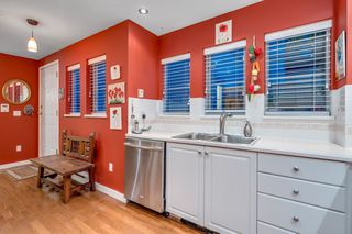 """Photo 13: 116 245 W 15TH Street in North Vancouver: Central Lonsdale Townhouse for sale in """"Chatsworth Mews"""" : MLS®# R2333983"""