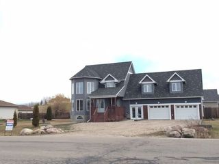 Photo 1: 5202 Drake Drive: Cold Lake House for sale : MLS®# E4142433