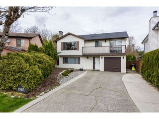 "Main Photo: 9585 211 Street in Langley: Walnut Grove House for sale in ""WALNUT GROVE"" : MLS®# R2340320"