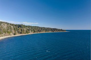 "Photo 1: Lot 4 OCEAN BEACH Esplanade in Gibsons: Gibsons & Area Home for sale in ""Bonniebrook/Chaster Beach"" (Sunshine Coast)  : MLS®# R2347212"