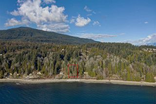 "Photo 3: Lot 4 OCEAN BEACH Esplanade in Gibsons: Gibsons & Area Home for sale in ""Bonniebrook/Chaster Beach"" (Sunshine Coast)  : MLS®# R2347212"