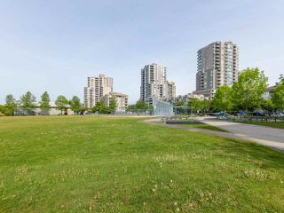"Photo 18: 1802 5189 GASTON Street in Vancouver: Collingwood VE Condo for sale in ""THE MACGREGOR"" (Vancouver East)  : MLS®# R2369458"