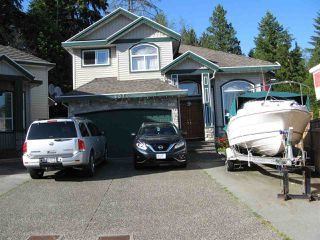 Photo 2: 8070 147 Street in Surrey: Bear Creek Green Timbers House for sale : MLS®# R2373859