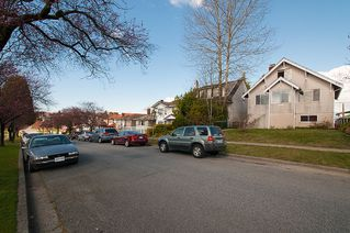 Photo 34: 3191 East 6th Avenue in Vancouver: Home for sale : MLS®# V1054407