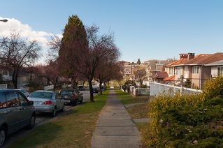 Photo 36: 3191 East 6th Avenue in Vancouver: Home for sale : MLS®# V1054407