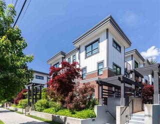 Photo 2: 14 3508 MT SEYMOUR Parkway in North Vancouver: Northlands Townhouse for sale : MLS®# R2461014