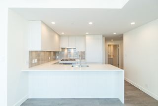 "Photo 2: 2207 5051 IMPERIAL Street in Burnaby: Metrotown Condo for sale in ""IMPERIAL"" (Burnaby South)  : MLS®# R2484692"