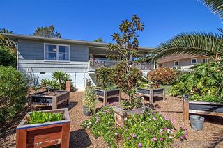 Photo 17: ENCINITAS House for rent : 2 bedrooms : 1697 Crest Dr #A