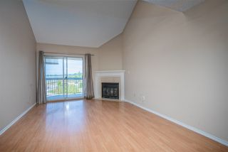 "Photo 5: 312 11510 225 Street in Maple Ridge: East Central Condo for sale in ""RIVERSIDE"" : MLS®# R2489080"