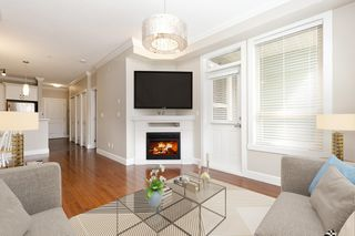 """Photo 3: 326 13897 FRASER Highway in Surrey: Whalley Condo for sale in """"THE EDGE"""" (North Surrey)  : MLS®# R2499236"""