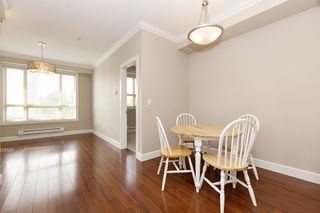 """Photo 5: 326 13897 FRASER Highway in Surrey: Whalley Condo for sale in """"THE EDGE"""" (North Surrey)  : MLS®# R2499236"""