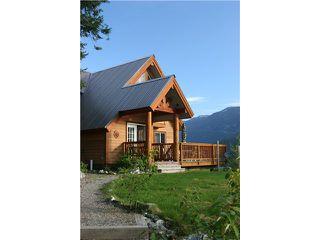 Photo 1: 7455 BEECHWOOD Street in Pemberton: Pemberton WH House for sale (Whistler)  : MLS®# V894506