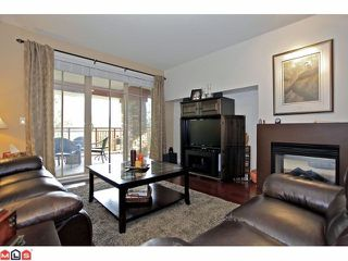 Photo 4: 203 16433 64TH Avenue in Surrey: Cloverdale BC Condo for sale (Cloverdale)  : MLS®# F1224149