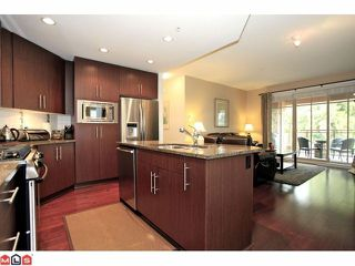 Photo 5: 203 16433 64TH Avenue in Surrey: Cloverdale BC Condo for sale (Cloverdale)  : MLS®# F1224149