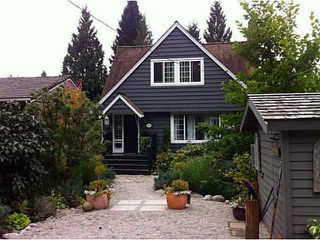 Photo 1: 1065 PROSPECT Avenue in North Vancouver: Canyon Heights NV House for sale : MLS®# V1088522