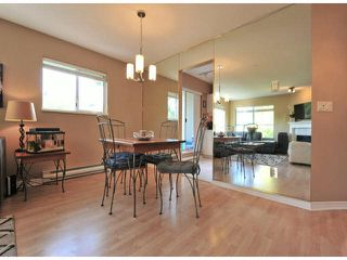 """Photo 3: 312 15272 20TH Avenue in Surrey: King George Corridor Condo for sale in """"Windsor Court"""" (South Surrey White Rock)  : MLS®# F1424168"""