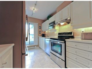 """Photo 7: 312 15272 20TH Avenue in Surrey: King George Corridor Condo for sale in """"Windsor Court"""" (South Surrey White Rock)  : MLS®# F1424168"""