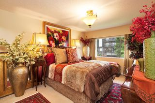 "Photo 5: 303 155 E 5TH Street in North Vancouver: Lower Lonsdale Condo for sale in ""WINCHESTER ESTATES"" : MLS®# R2024794"