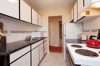 "Photo 9: 303 155 E 5TH Street in North Vancouver: Lower Lonsdale Condo for sale in ""WINCHESTER ESTATES"" : MLS®# R2024794"