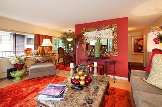 "Photo 11: 303 155 E 5TH Street in North Vancouver: Lower Lonsdale Condo for sale in ""WINCHESTER ESTATES"" : MLS®# R2024794"