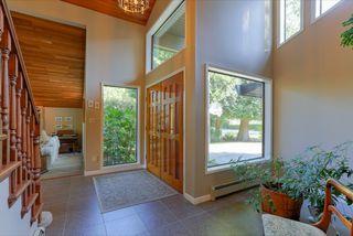 "Photo 2: 943 50B Street in Delta: Tsawwassen Central House for sale in ""TSAWWASSEN CENTRAL"" (Tsawwassen)  : MLS®# R2046777"