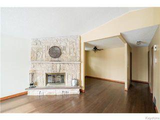 Photo 2: 82 Pear Tree Bay in Winnipeg: St Vital Residential for sale (South East Winnipeg)  : MLS®# 1606102