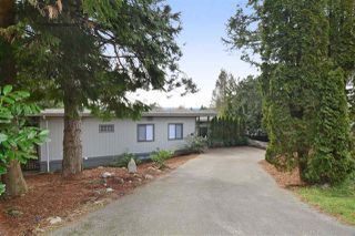 Photo 1: 32440 MCRAE Avenue in Mission: Mission BC House for sale : MLS®# R2059847
